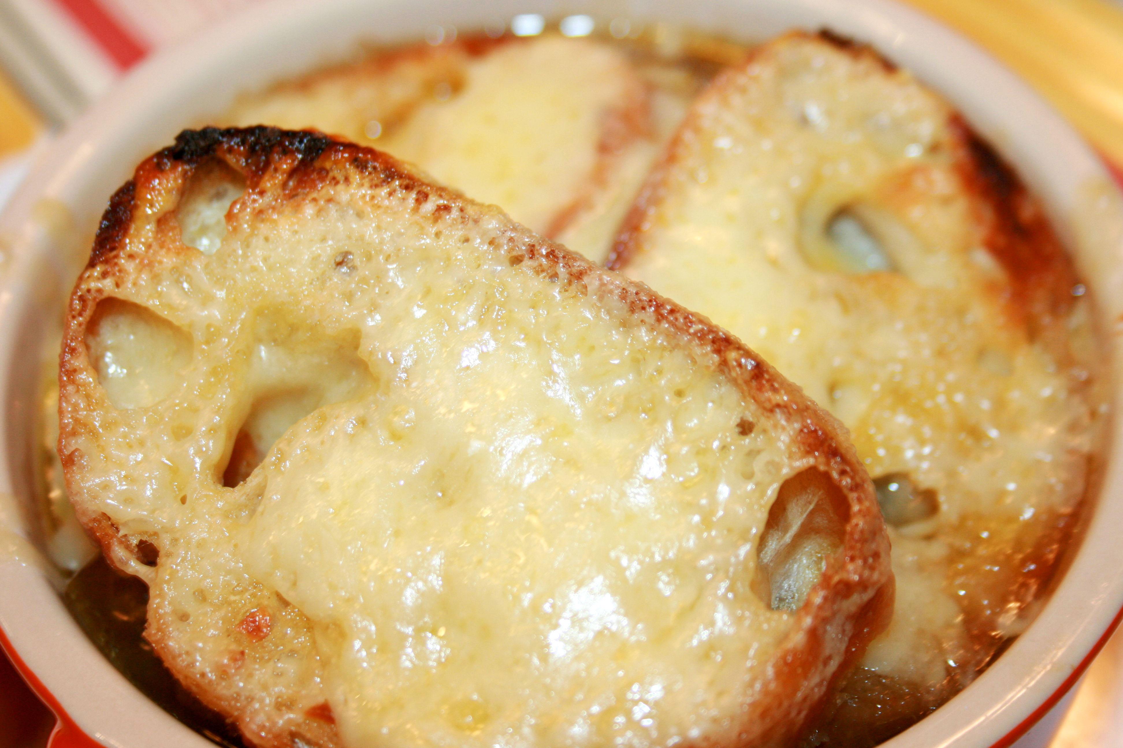 Hearty Les Halles-Style French Onion Soup | My Nana's Kitchen